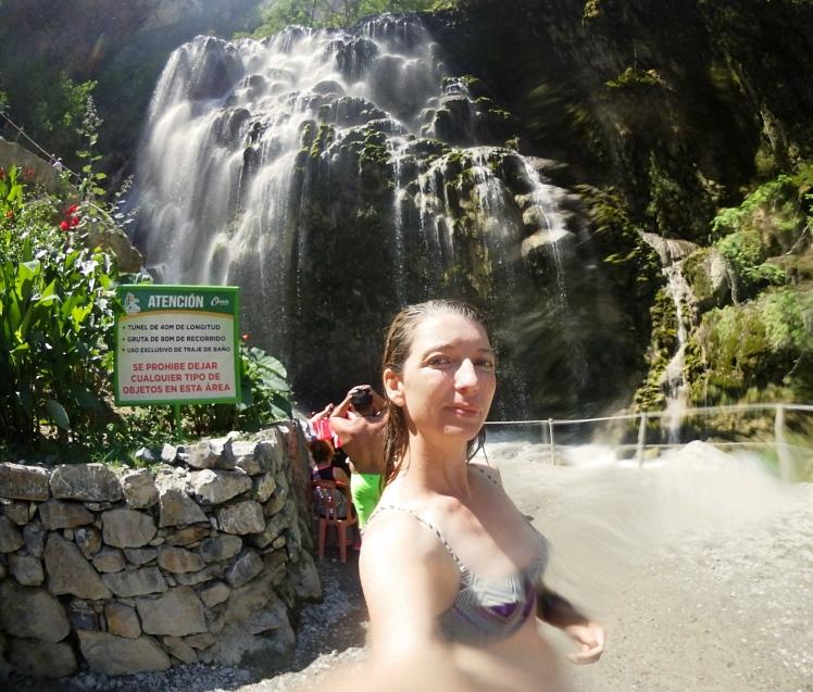 Nat Selfie Waterfall_Fotor