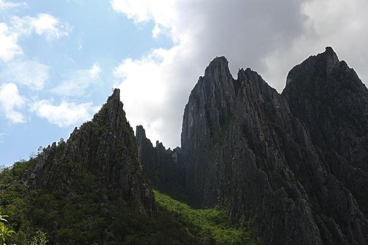 Hid Rocks1_Fotor